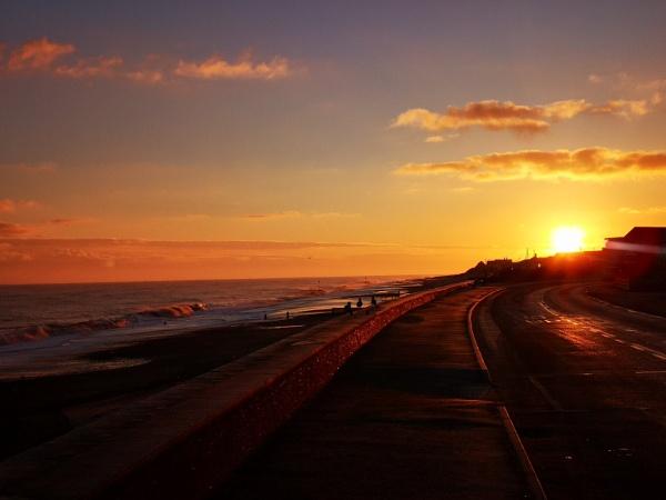 Sunrise by Peterdrainage