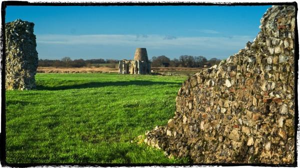 St Benets Abbey by Dwaller