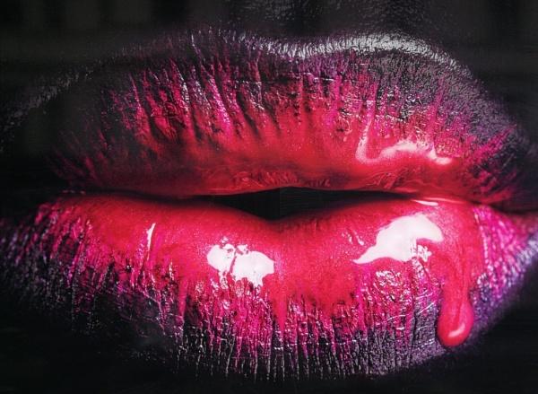 Kissy Kissy - Happy New Year !! by Chinga