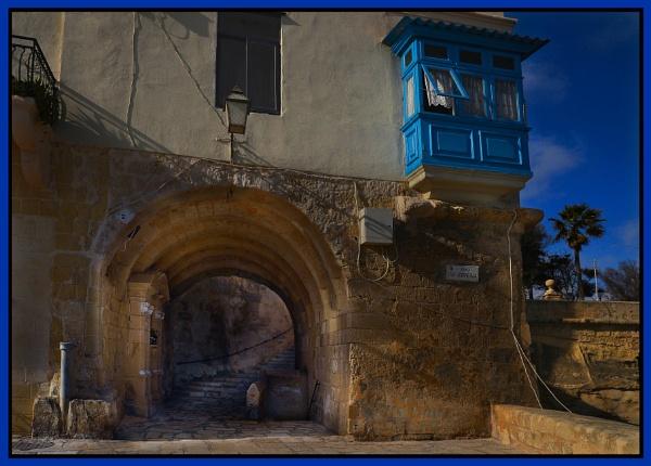 SIREN STREET ------ UPPER POINT OF SENGLEA by Edcat55