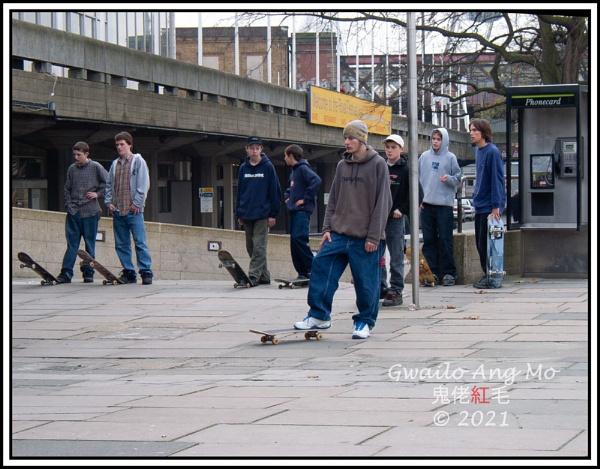 South Bank Skateboarders by GwailoAngMo
