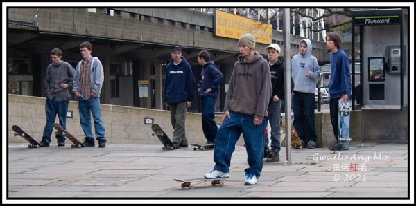 South Bank Skateboarders (2) by GwailoAngMo