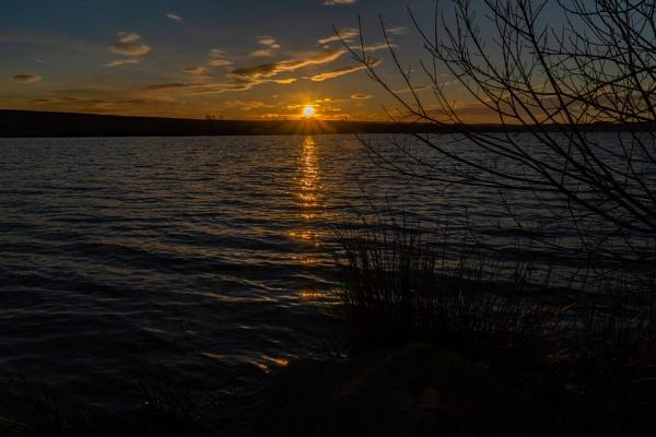 Scaling Dam Sunset #2 by terra