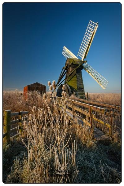 Herringfleet Windmill by Dwaller