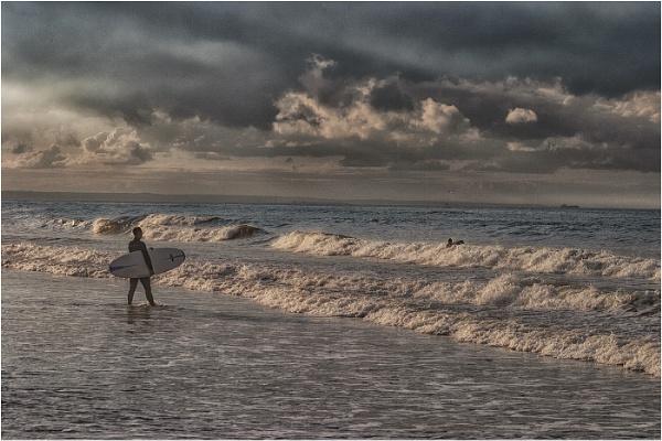 Saltburn Surfers by stevenb