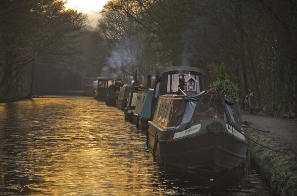 Early Evening on the Rochdale Canal by iangilmour