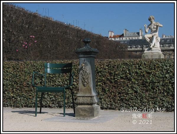Au Jardin du Palais-Royal by GwailoAngMo