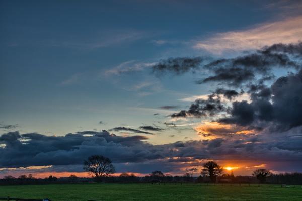 Wymondham Sunrise by Peterdrainage