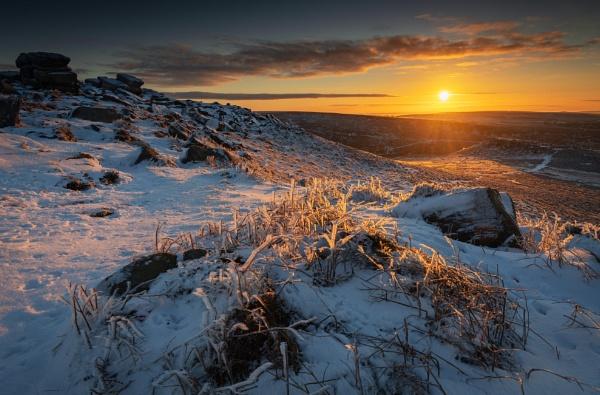 Frosty Sunrise by Trevhas