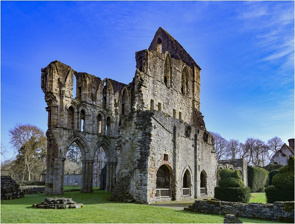 Wenlock Abbey Ruins by Tobytoes