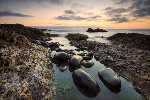 Pebbles by sherlob