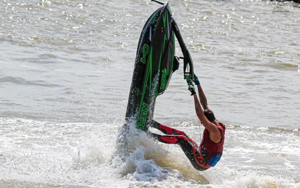 Jet Ski tricks 2 by louie1st
