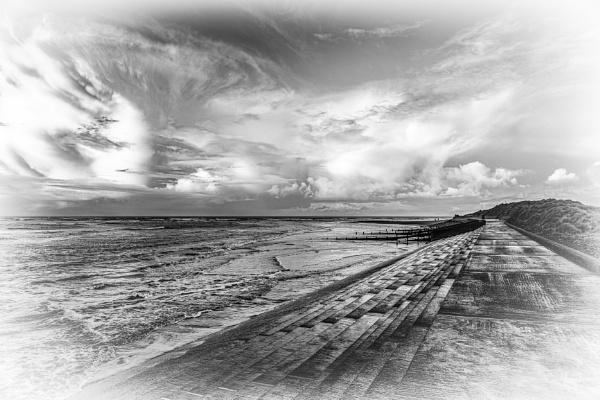 Beachscape black and white by Ingymon