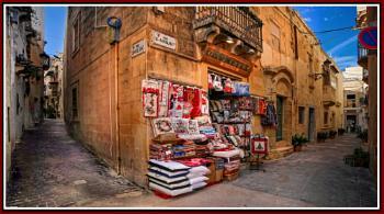 ''HOMETEX'' : THE CUSHION AND PILLOW CORNER SHOP in RABAT MALTA