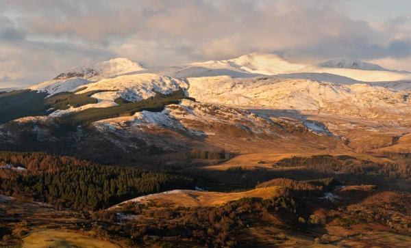Highland Edge by PaulHolloway