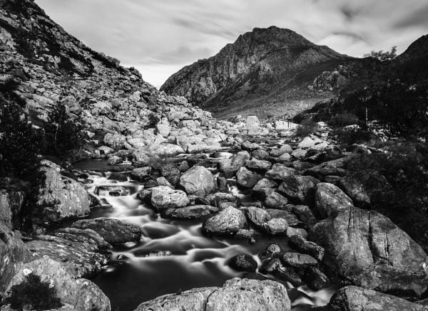 Ogwen Stream by nstewart