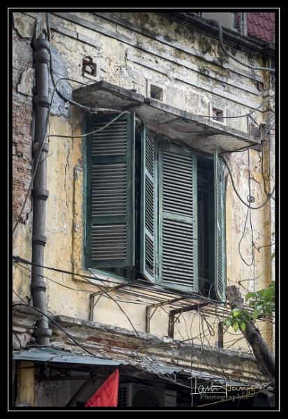 Peeling shutters by IainHamer