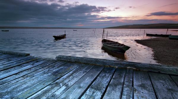 Fleet lagoon by oldbloke