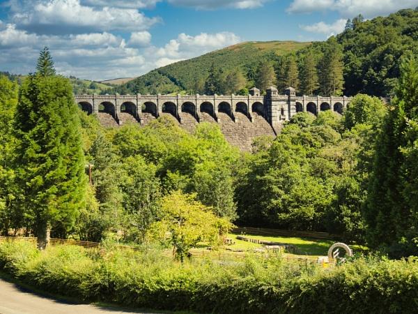 Vyrnwy Dam by dflory
