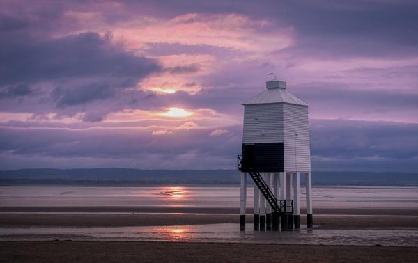 Burnham-on-Sea Low Lighthouse by trailguru