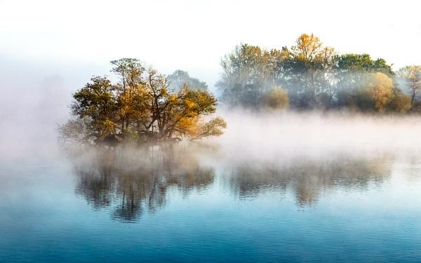 Island in the mist by jimobee