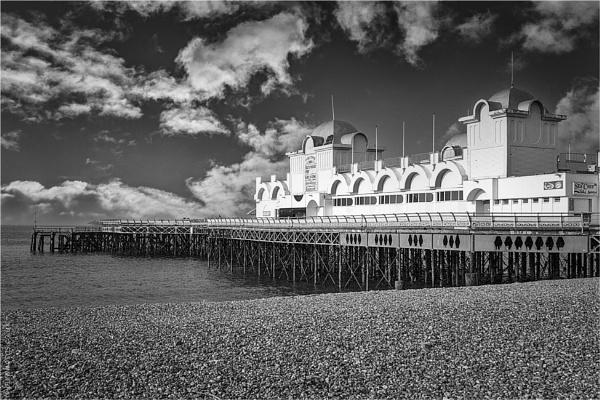 Southsea Pier by blrphotos