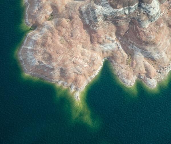 Lake Powel Shore Line by Gavin_Duxbury