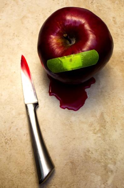 Juicy apple by martininbg