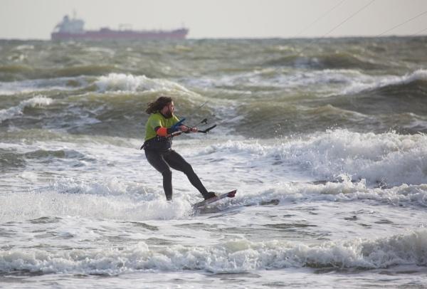 Kite Surfing at Sandown Bay, Isle of Wight. by sandwedge
