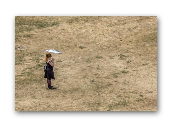 girl with umbrella by jimlad