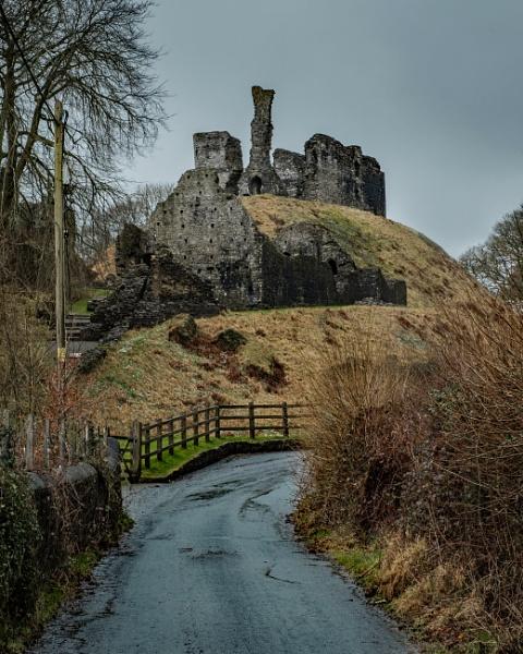 Okehampton Castle by topsyrm