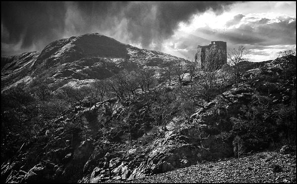 Dolbadarn Castle by lespaul