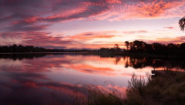 Deep Twilight, Lake Burley Griffin by BobinAus