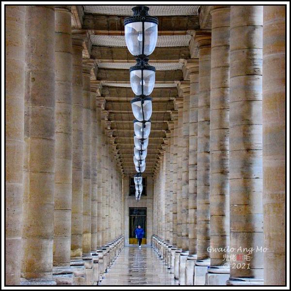 Colonade au Palais-Royal by GwailoAngMo
