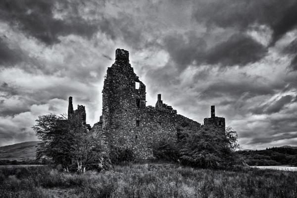 Kilchurn Castle #2 by Xandru