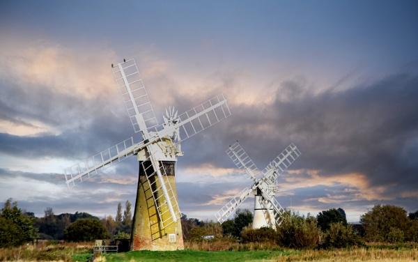 Drainage Mills by Ffynnoncadno