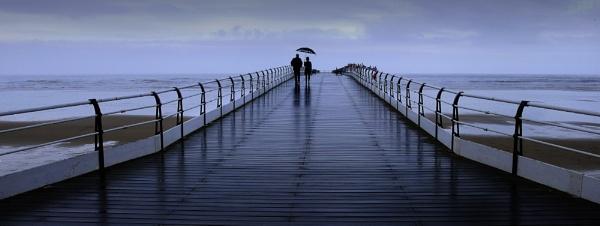 The umbrella by TomSaetan
