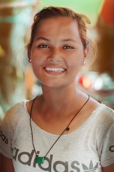Burmese Girl by bobbyl