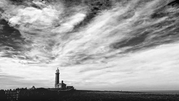 Lundy Lighthouse by smut01
