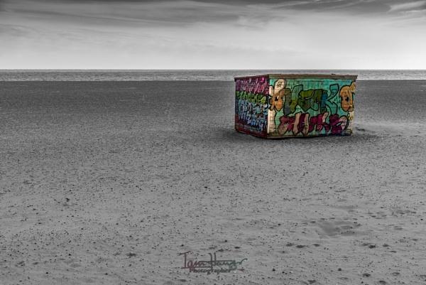 Beach shed by IainHamer