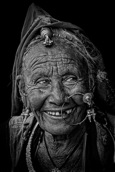 Rajasthani tribal woman by sawsengee