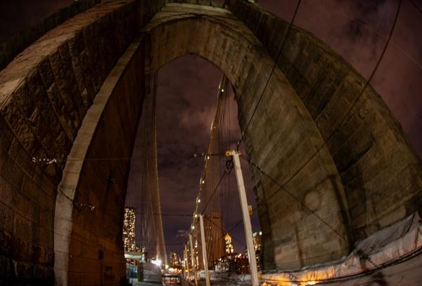 Brooklyn Bridge at night by rontear