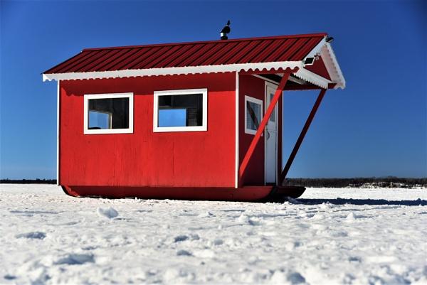 Ice fishing hut by djh698