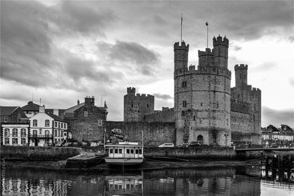 Caernarfon Castle by blrphotos