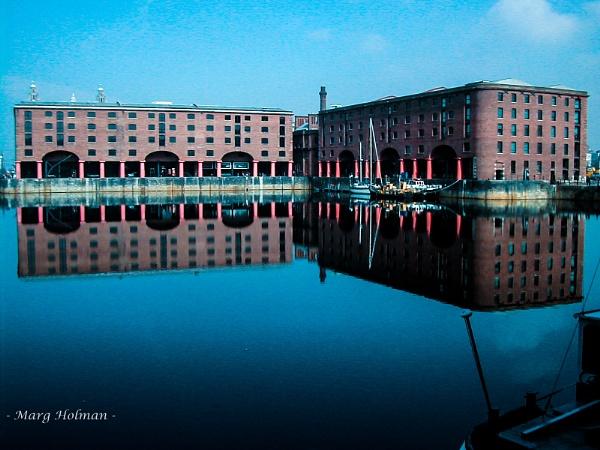 Beautiful Albert Dock by margymoo
