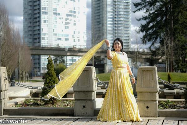 Model in the City... by Swarnadip
