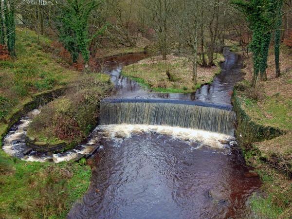 Duxbury Waterfall by yultony