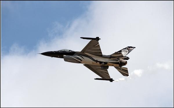 F16 Jet by jimobee