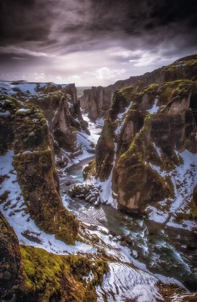 Fjaðrárgljúfur by Legend147