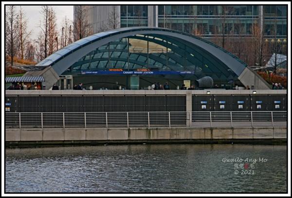 Canary Wharf Underground Station (Jubilee Line) by GwailoAngMo